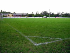 1280px-Corner_playing_field_Sejlflod_2010