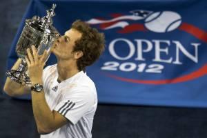 Andy Murray (26) con il trofeo degli US Open