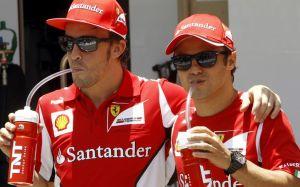 Alonso e Massa mentre si bevono un moijto all'insaputa di Domenicali (Foto SkySport)