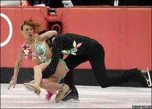 Il momento della caduta alle Olimpiadi di Torino 2006 (foto presa da news.bbc.co.uk)