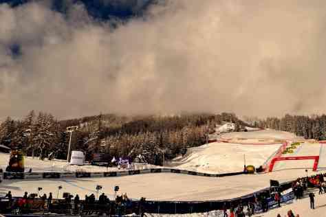 Veduta dal parterre della pista Olimpia delle Tofane
