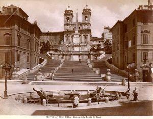http://it.wikipedia.org/wiki/File:Brogi,_Giacomo_(1822-1881)_-_n._3651_-_Roma_-_Chiesa_della_Trinit%C3%A0_de%27_Monti.jpg