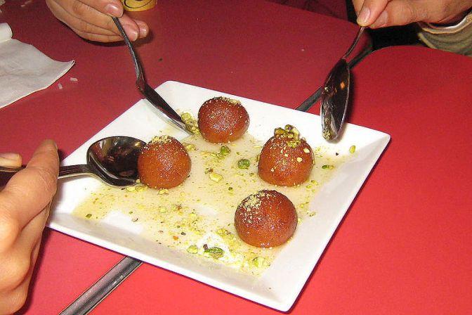 La Compagnia delle Indie – Fra prosciutto, feijoada e tre Gulab jamun: Stiven Mendoza, il pranzo è servito
